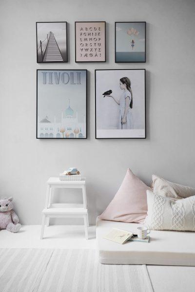 plakaty i materac